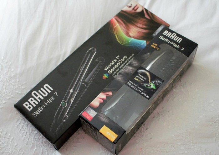 A picture of Braun hair straightener and brush