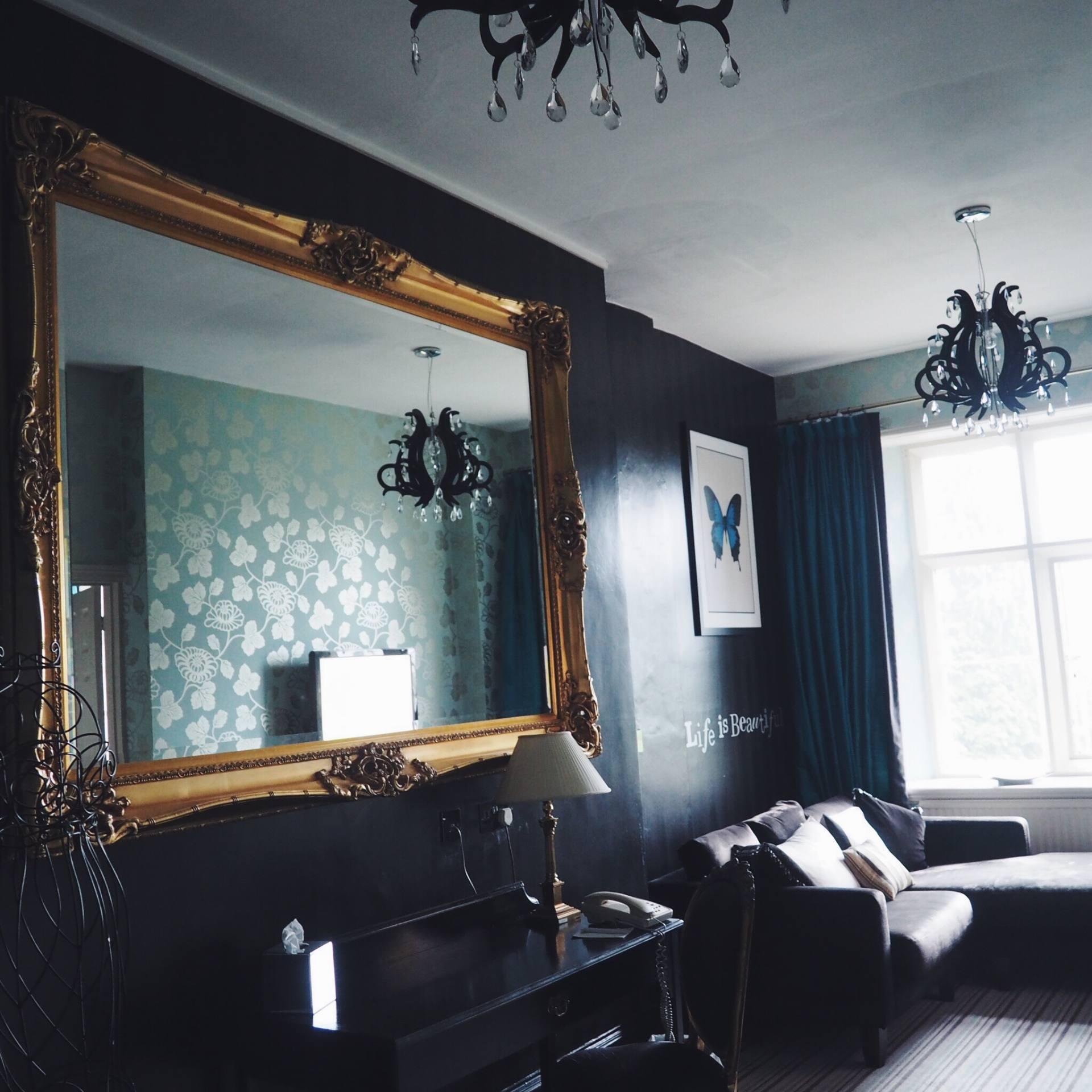 Coed-Y-Mwster Hotel Bridal Suite