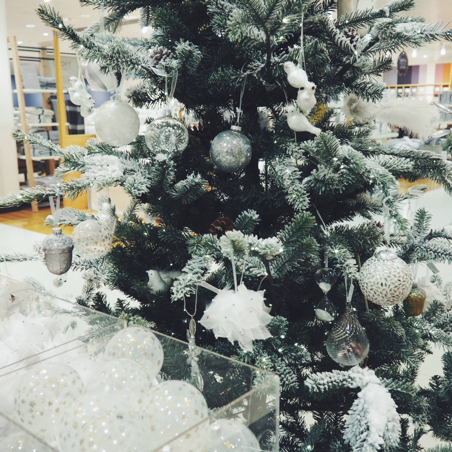 Christmas tree in John Lewis